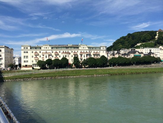 Hotel Sacher Salzburg: View from accross the river