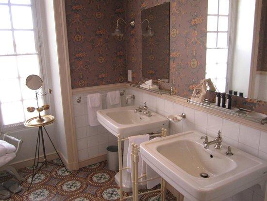 La Mirande Hotel: bathroom