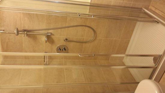 San Francesco Hotel: Bathroom-was nice