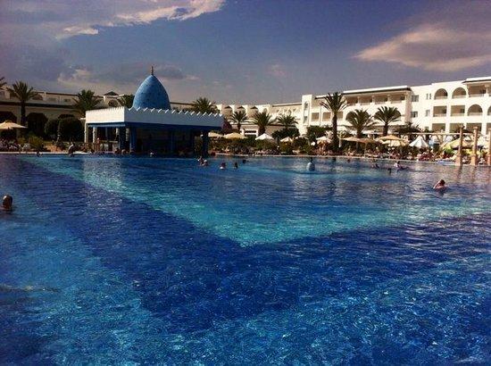 Concorde Hotel Marco Polo : super piscine