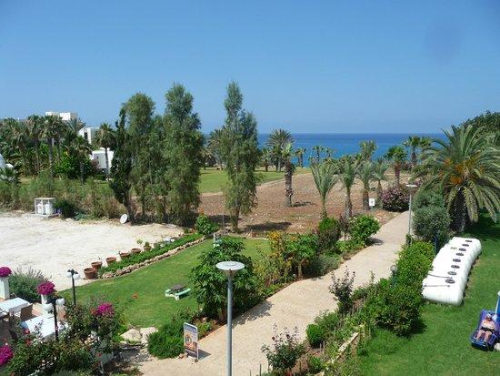 Helios Bay Hotel: Вид с балкона на море