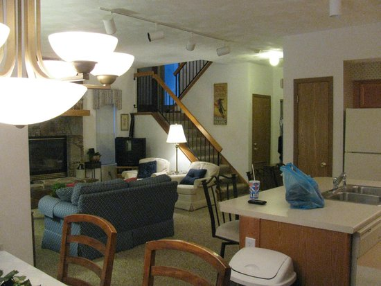 Seven Springs Mountain Resort: looking to the living room