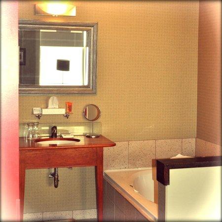 Mercer Hall Inn: Bathroom