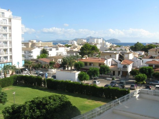 SuneoClub Haiti: View from Balcony Room 329