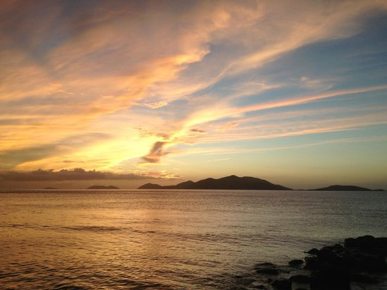 Sugar Mill Hotel : Sunset and Jost Van Dyke
