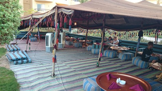 Amwaj Blue Beach Resort & Spa : beduin restaurant