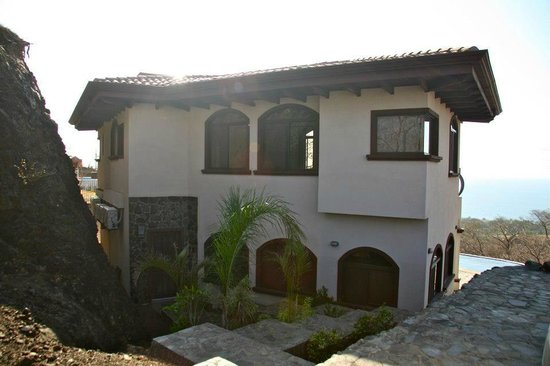 Hermosa Heights Villas: Front of Casa Blanca