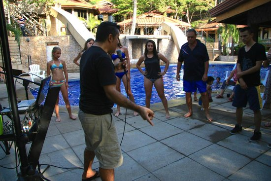 Hermosa Heights Villas: Live music and salsa lessons with Alexis