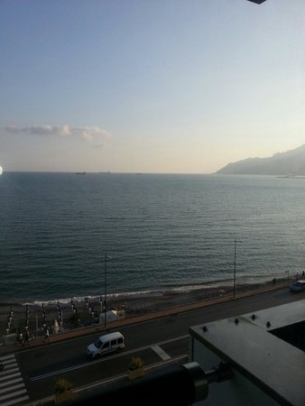 Grand Hotel Salerno: Vista lungomare Salerno