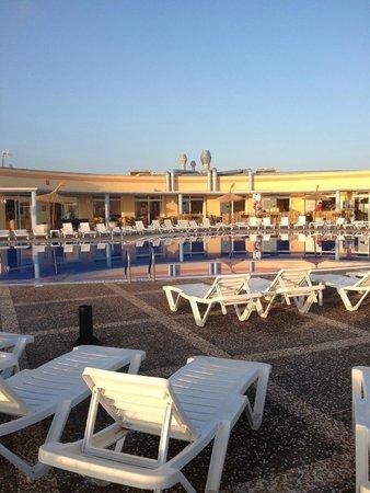 HYB Sea Club: pool area