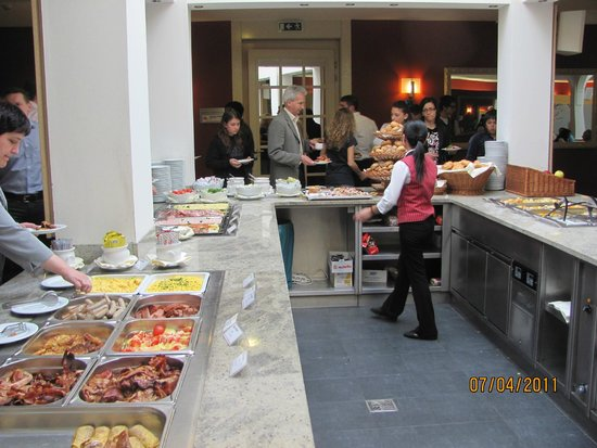 Austria Trend Hotel Ananas: Завтрак