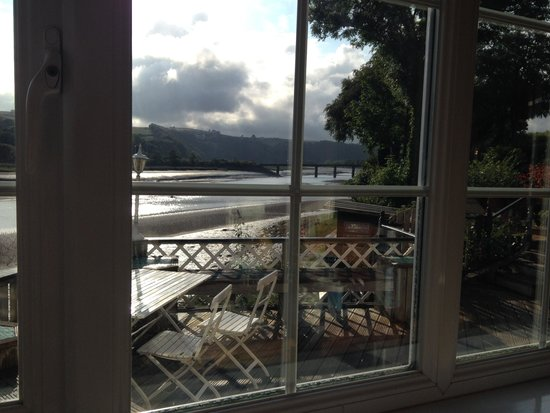 Riverside Cottage Guesthouse : View from the breakfast table