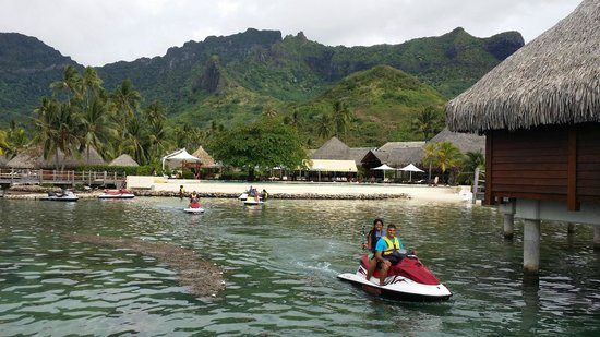 Manava Beach Resort & Spa - Moorea: Père et fille au jet ski tours