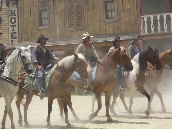 Fort Bravo Texas Hollywood: Elenco