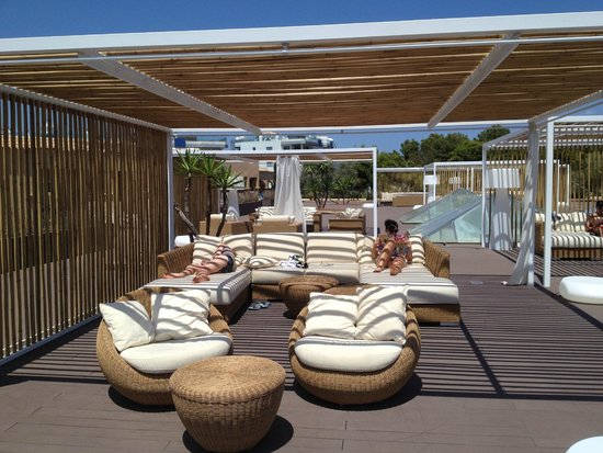 Grupotel Santa Eularia Hotel: Chill out area