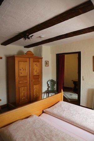 Hotel Spitzweg: entry and wardrobe