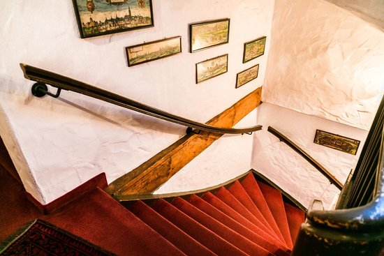 Hotel Spitzweg: steep stairs