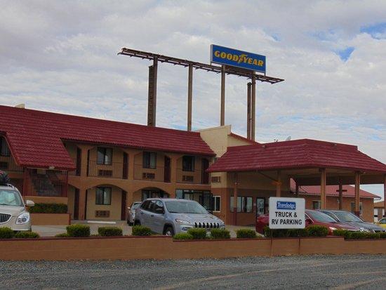 Travelodge Holbrook: exterior