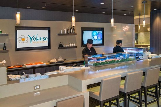 Crowne Plaza Los Angeles International Airport Hotel: Yokoso Sushi Bar