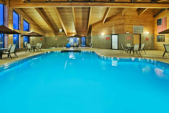 AmericInn Lodge & Suites Aberdeen — Event Center: pool