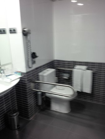 FrontAir Congress: Accessible toilet after room change
