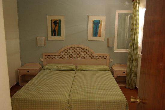 Apartamentos Roc Oasis Park: Chambre 517 chambre