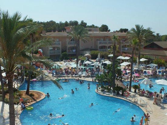 Aparthotel Playa Mar & Spa : View of pool area from top floor block 2