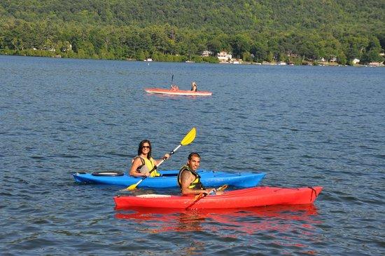 Lake Motel : Free Kayak