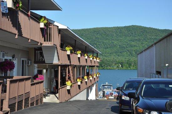 Lake Motel : Motel View