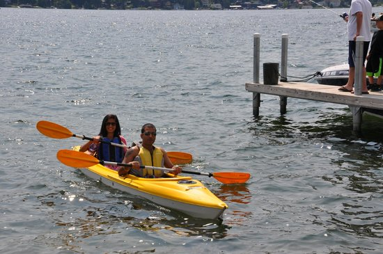 Lake Motel : Free Kayak Doubles