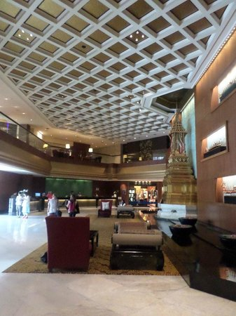 Royal Orchid Sheraton Hotel & Towers: Hall