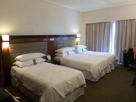 Royal Orchid Sheraton Hotel & Towers : Camera da letto