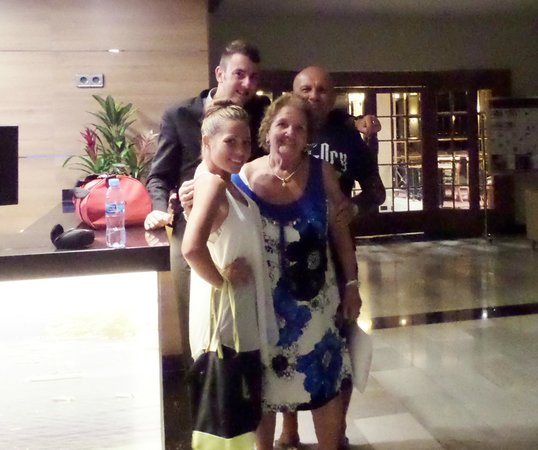Globales Santa Lucia Hotel: with Matt and Gemma