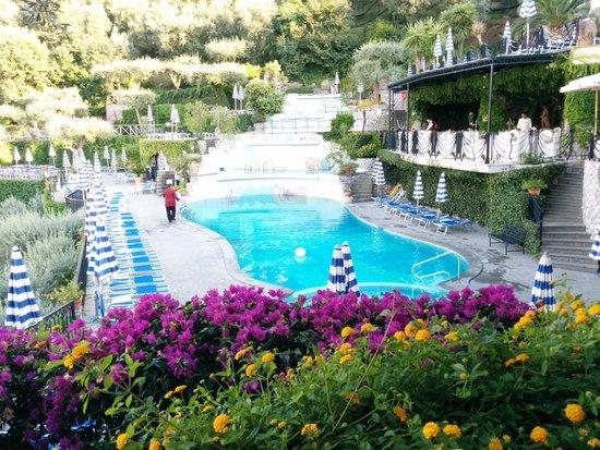 Grand Hotel Capodimonte: piscina