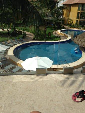 Secrets Aura Cozumel: Preferred pool