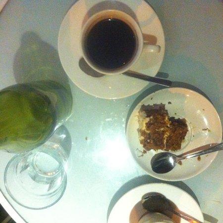 Warung Kecil: carrot cake and bali coffee hmmm