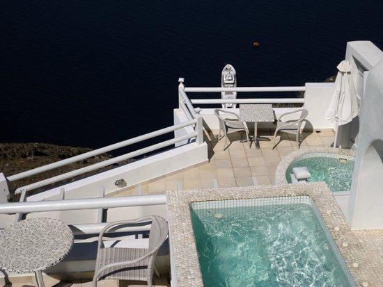 Adamant Suites: Blick auf die unteren Terrassen