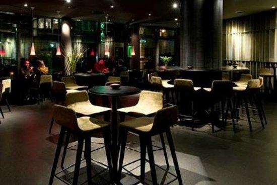 SANA Berlin Hotel: F8 Bar & Lounge