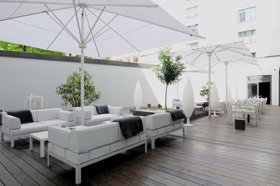 SANA Berlin Hotel: Patio Lounge