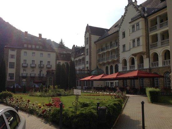 Hunguest Hotel Palota: the back yard