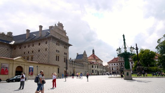 SANDEMANs NEW Prague Tours: Castle tour