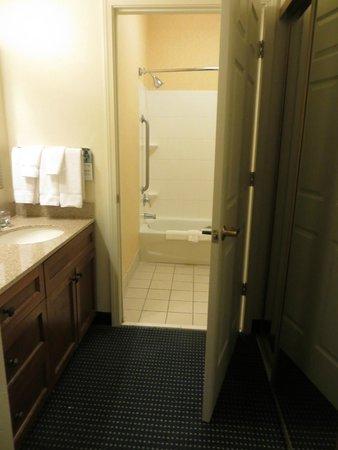 Residence Inn Chico : Sink vanity and separate bathroom