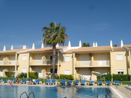 Jardins Vale de Parra: There is 3 swimming pool