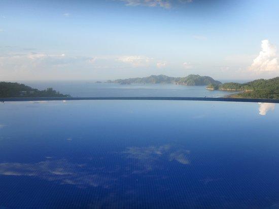 Vista Las Islas Hotel & Spa : Schöner Pool mit super Aussicht