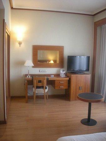 Tryp Madrid Plaza Espana Hotel : Vista habitación 5509