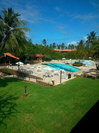 Salinas Maragogi All Inclusive Resort: Quarto com vista para o jardim e piscina.