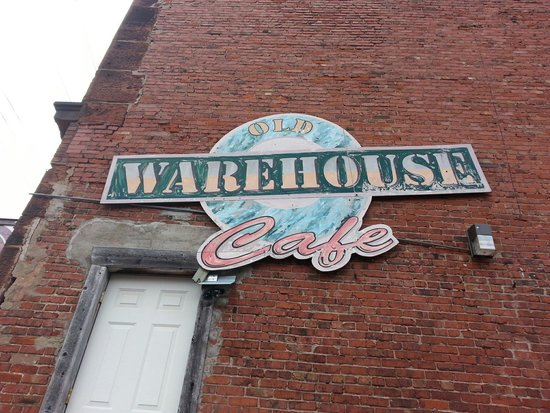 Old Warehouse Cafe: Worn out signage