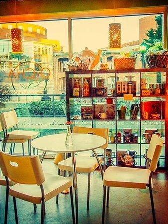 O-CHA tea bar : Sitting