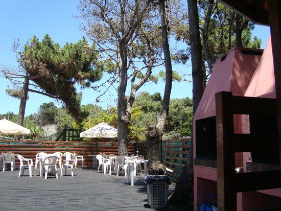 Apart Hotel Punta Verde : Parrillas cercanas a pileta y jacuzzi