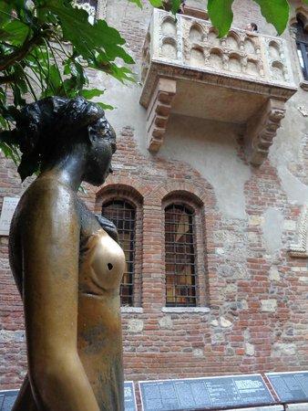 Casa di Giulietta: pobre Julieta ....